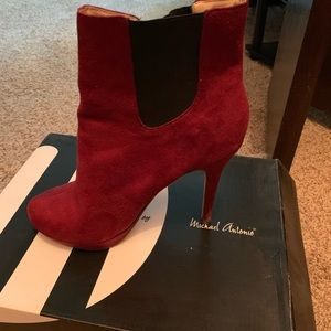 Wine color suede women ankle boots.